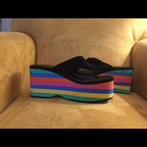 Rocket Dog Shoes - RAINBOW Platform ROCKET DOG Flip Flops Size 10